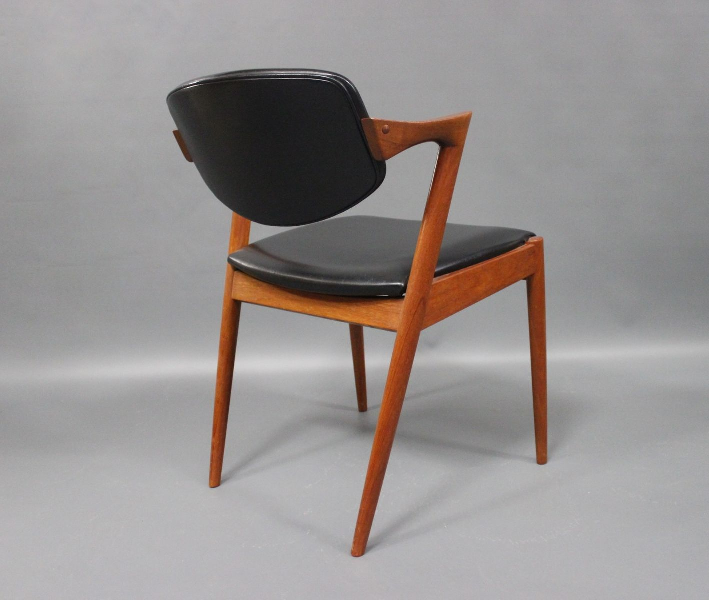 Chaises de salon vintage mod le 42 par kai kristiansen for Chaise pour salon