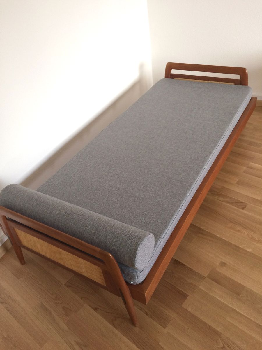 Price per piece - Mid-Century Danish Teak Daybed, 1960s For Sale At Pamono