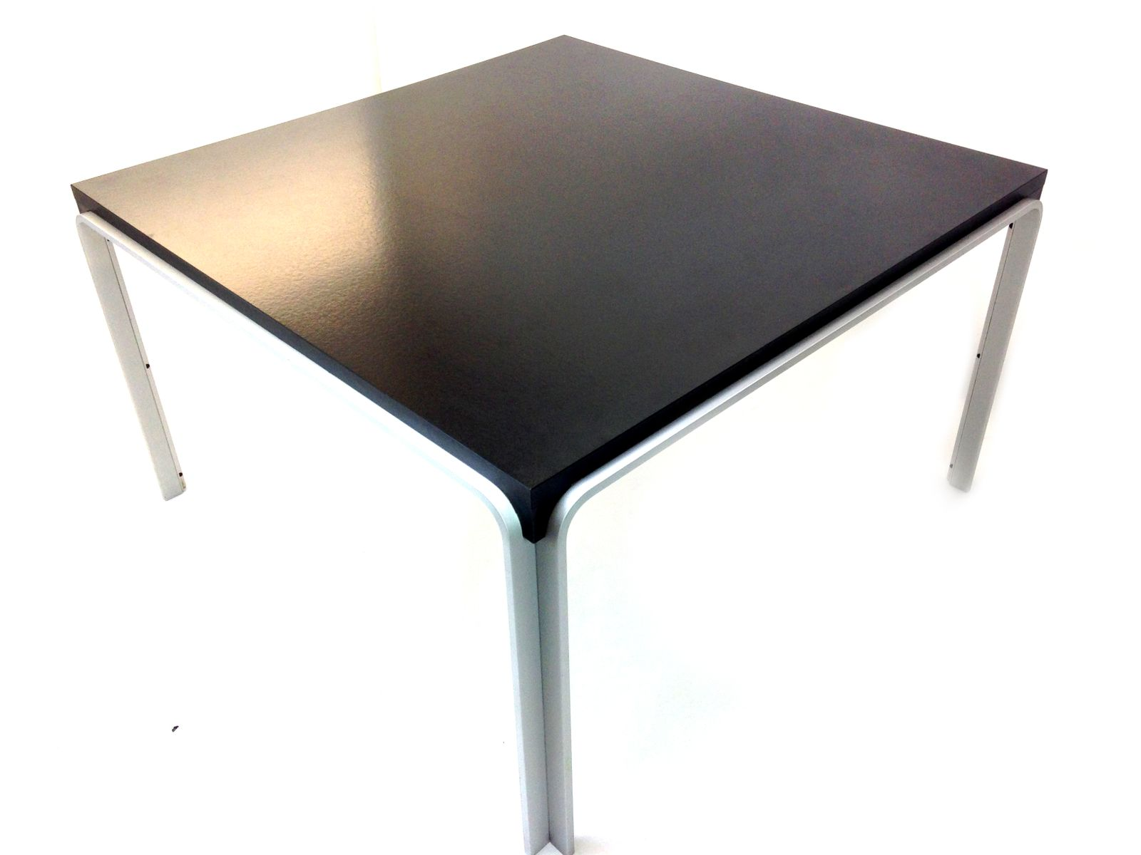 sleek dining table by pierre mazairac for pastoe 1972 for sale at pamono. Black Bedroom Furniture Sets. Home Design Ideas