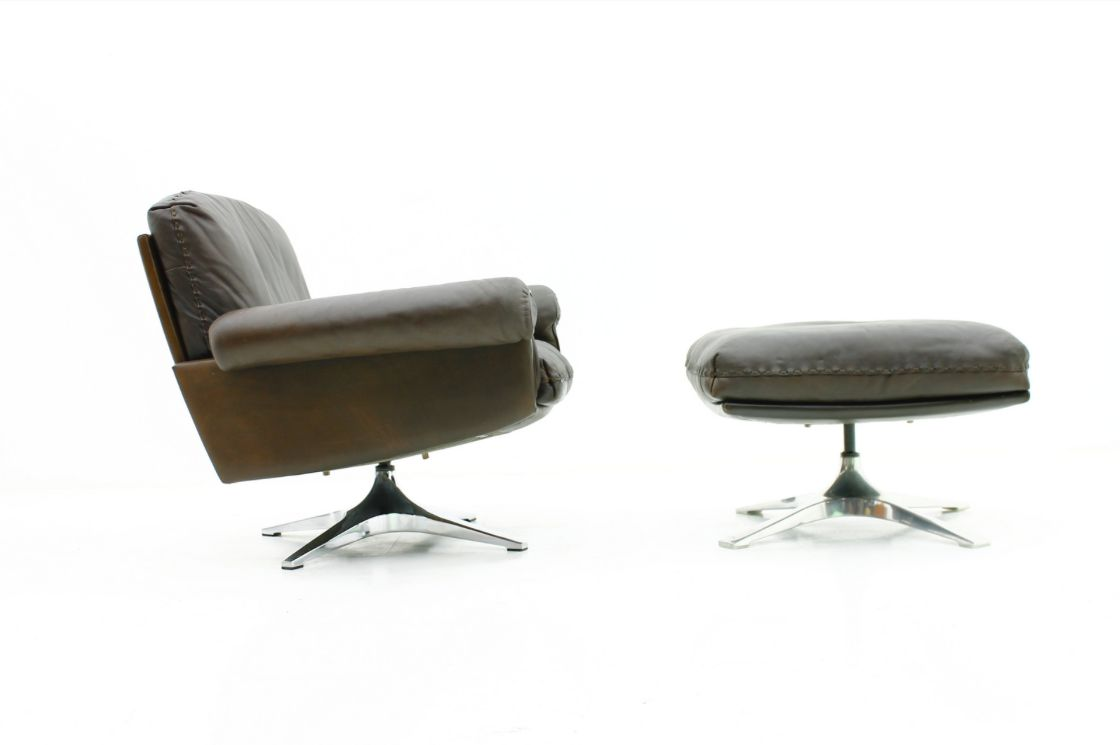 DS 31 Lounge Chair with Ottoman from De Sede 1970s for sale at Pamono