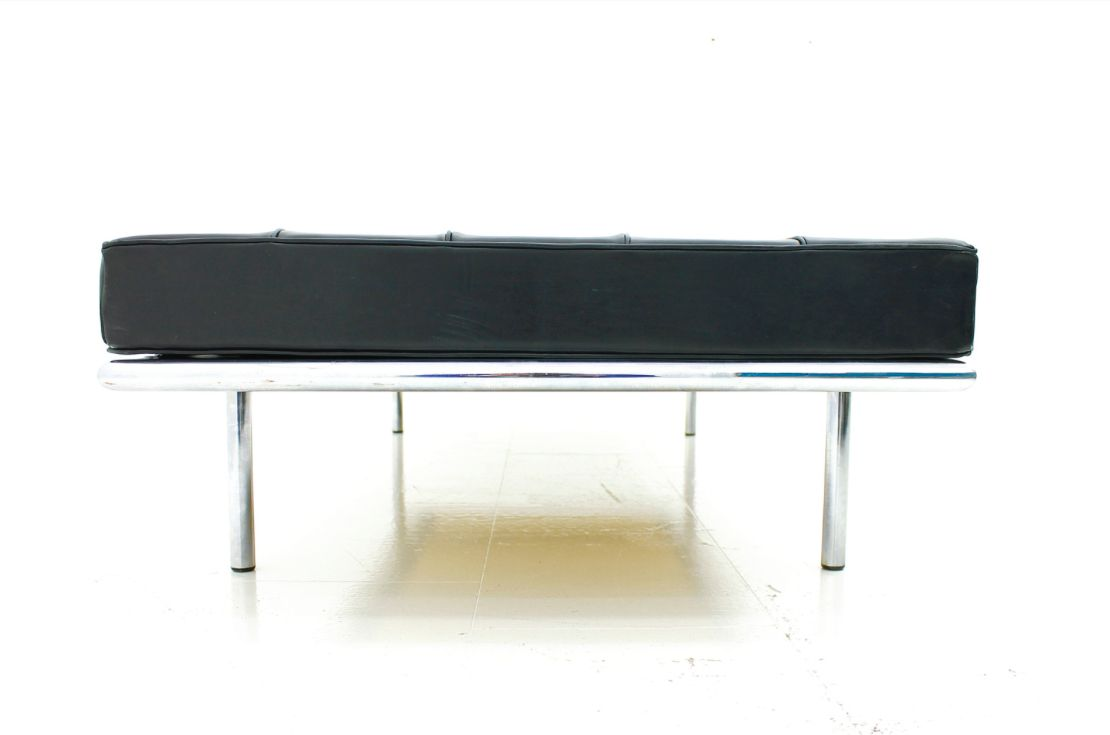 Model 258 daybed by ludwig mies van der rohe for knoll int - Mies van der rohe sedia ...