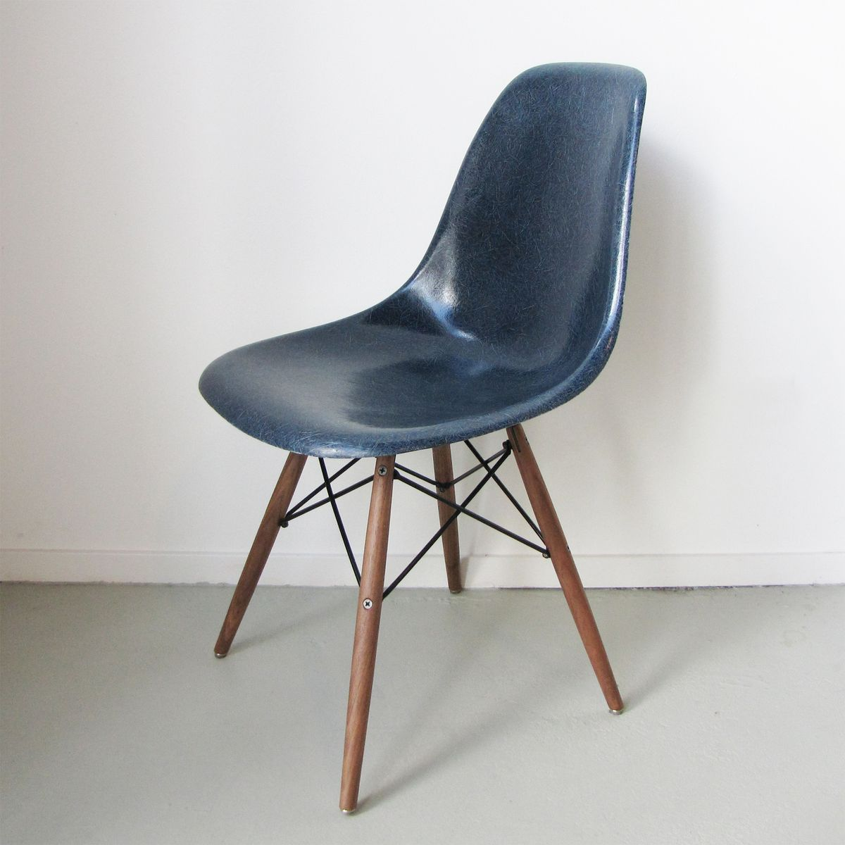 dsw chair by charles ray eames for herman miller usa 1975 for sale at pamono. Black Bedroom Furniture Sets. Home Design Ideas