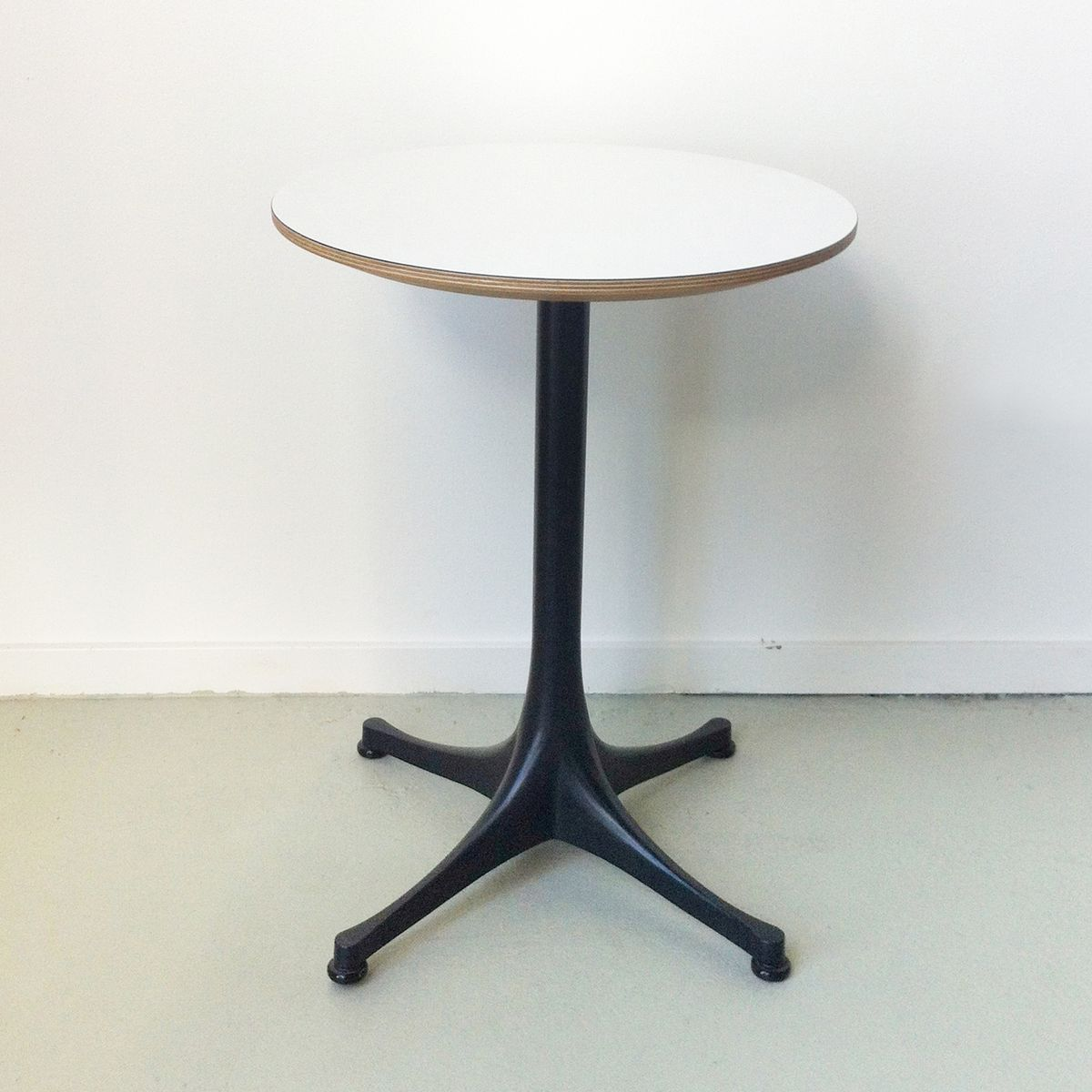 Vintage Side Table by George Nelson For Vitra For Sale at Pamono