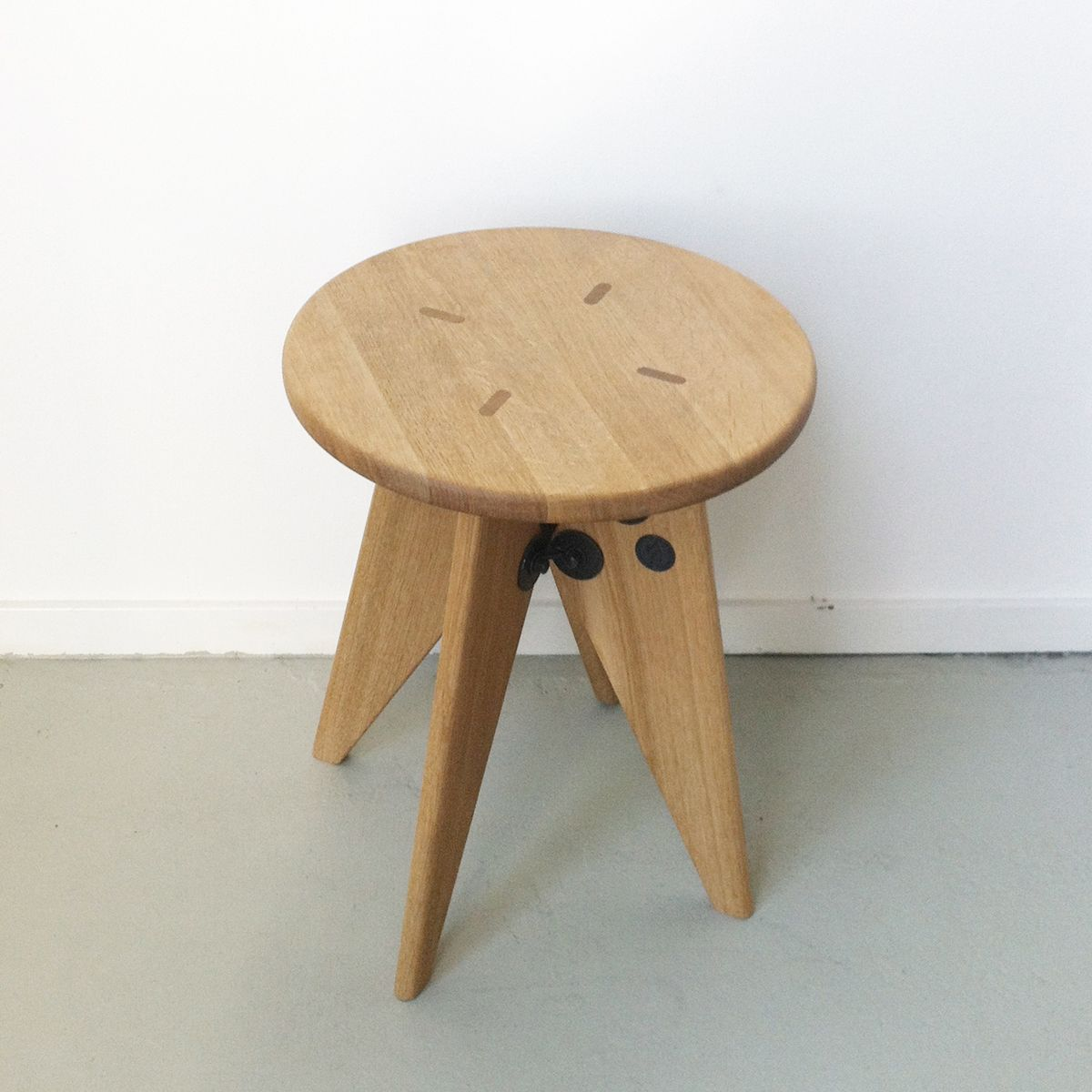 tabouret solvay stool by jean prouv for vitra for sale at pamono. Black Bedroom Furniture Sets. Home Design Ideas