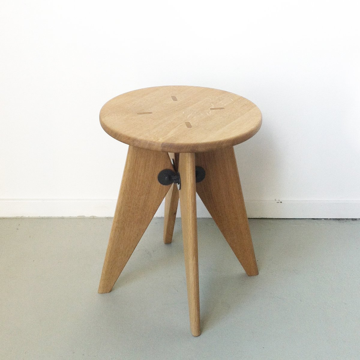 Tabouret solvay stool by jean prouv for vitra for sale at pamono - Tabouret jean prouve ...
