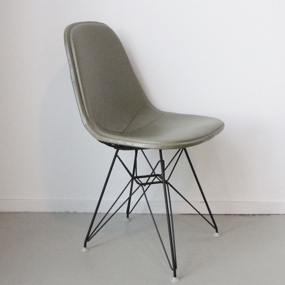 Dkr 1 chair by charles ray eames for herman miller for sale at pamono - Eames chair herman miller ...
