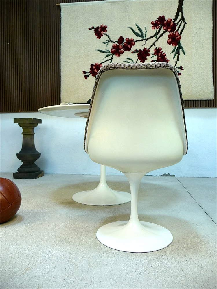 Tulip Chair by Eero Saarinen for Knoll International for sale at Pamono
