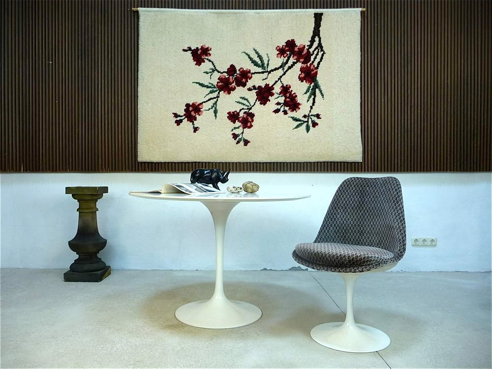 tulip chair by eero saarinen for knoll international for sale at pamono. Black Bedroom Furniture Sets. Home Design Ideas