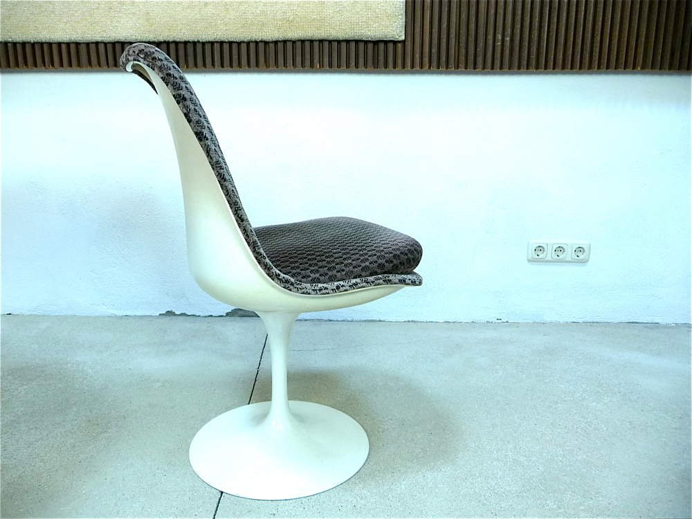 Tulip Chair By Eero Saarinen For Knoll International For