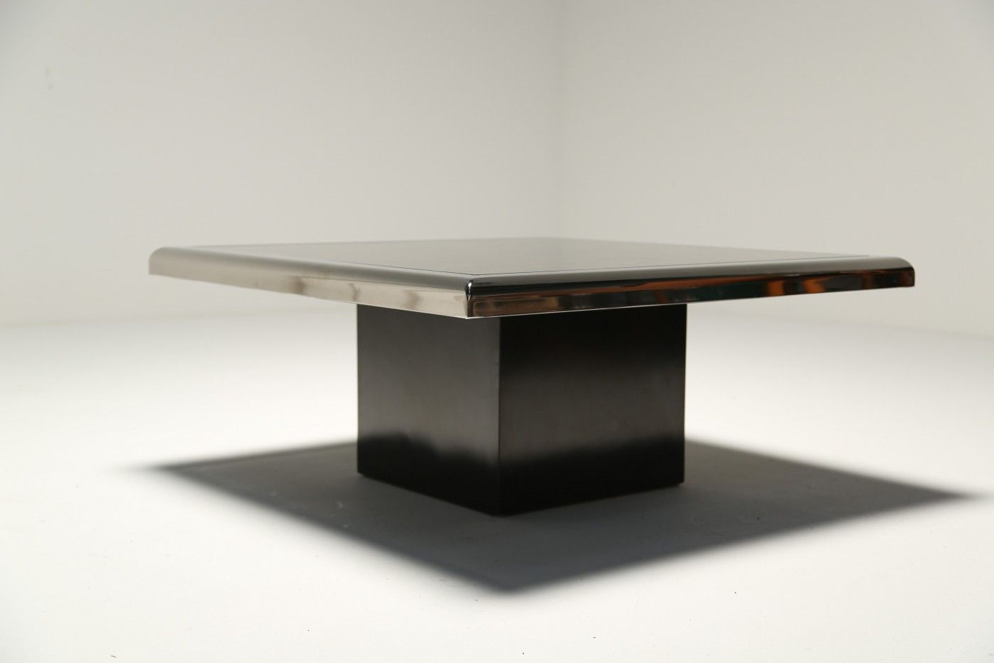 Black and gold floating coffee table in chrome from belgochrom for sale at pamono Black and chrome coffee table