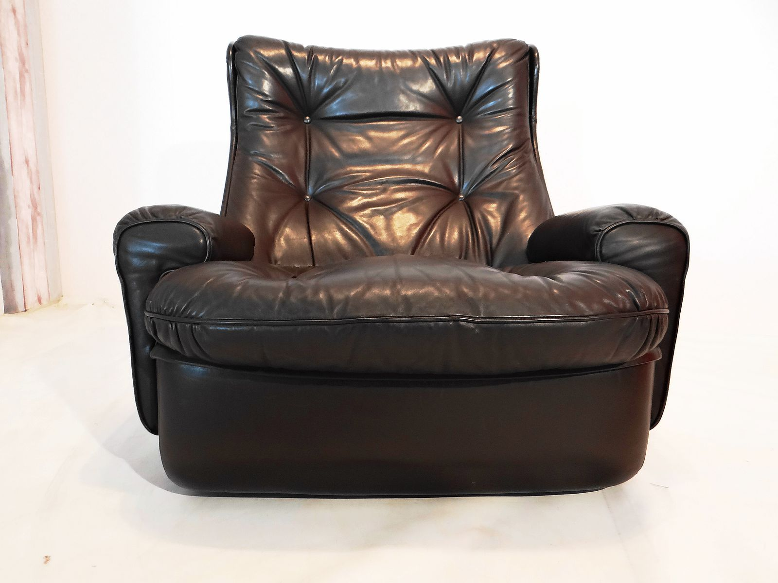 Vintage Leather Lounge Chair from Airborne for sale at Pamono
