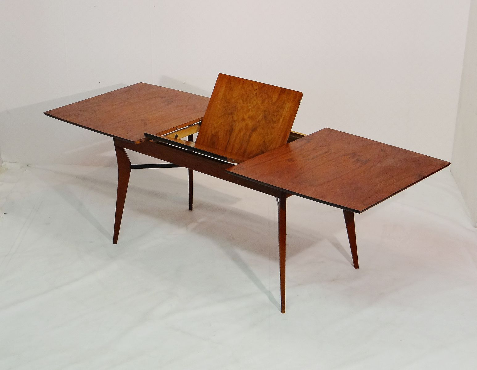 vintage rosewood dining table by alfred hendrickx for sale at pamono. Black Bedroom Furniture Sets. Home Design Ideas
