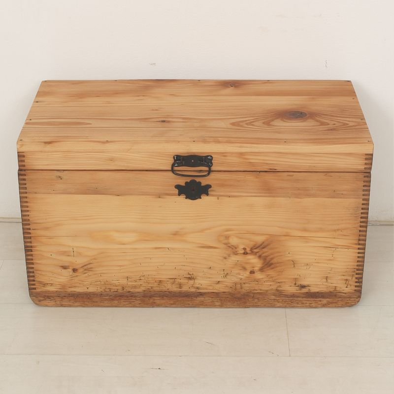 Decorative Trunks: Add versatile and stylish storage to your home with decorative trunks in vintage and modern designs. Free Shipping on orders over $45 at imaginary-7mbh1j.cf - Your Online Decorative Accessories Store! Get 5% in rewards with Club O! Small Pirate Style Wooden Treasure Chest - cherry. 10 Reviews.
