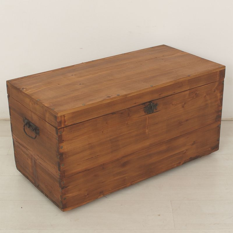 Antique wooden crate 1900 for sale at pamono for Where to find old wooden crates