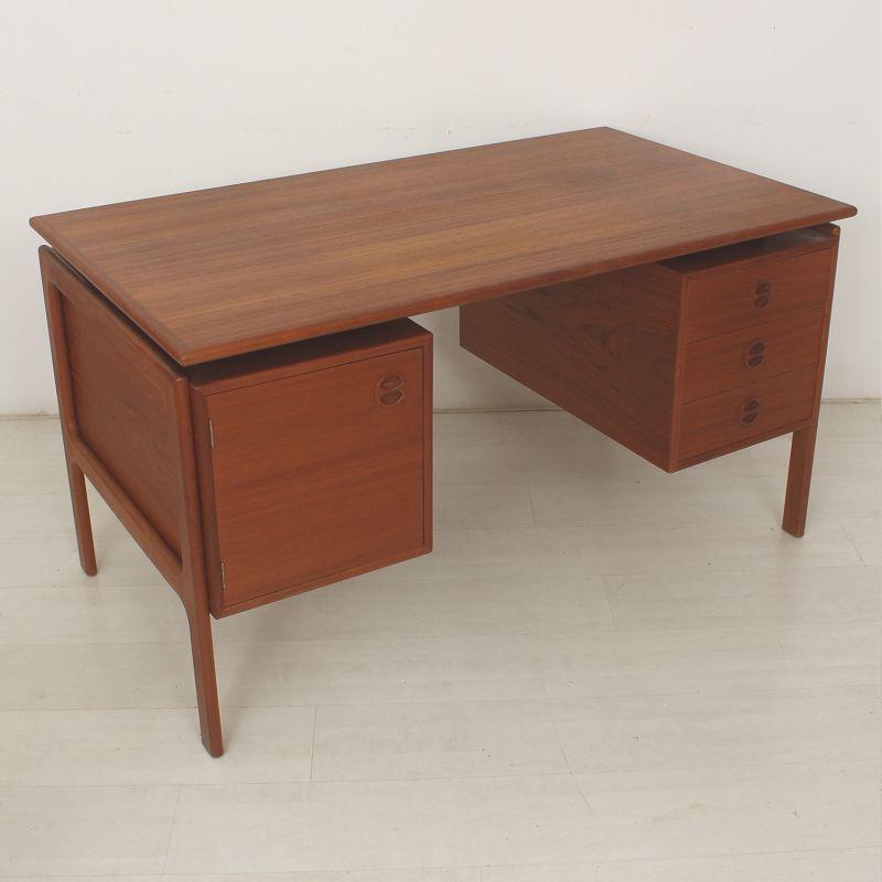 skandinavischer teak schreibtisch 1960er bei pamono kaufen. Black Bedroom Furniture Sets. Home Design Ideas