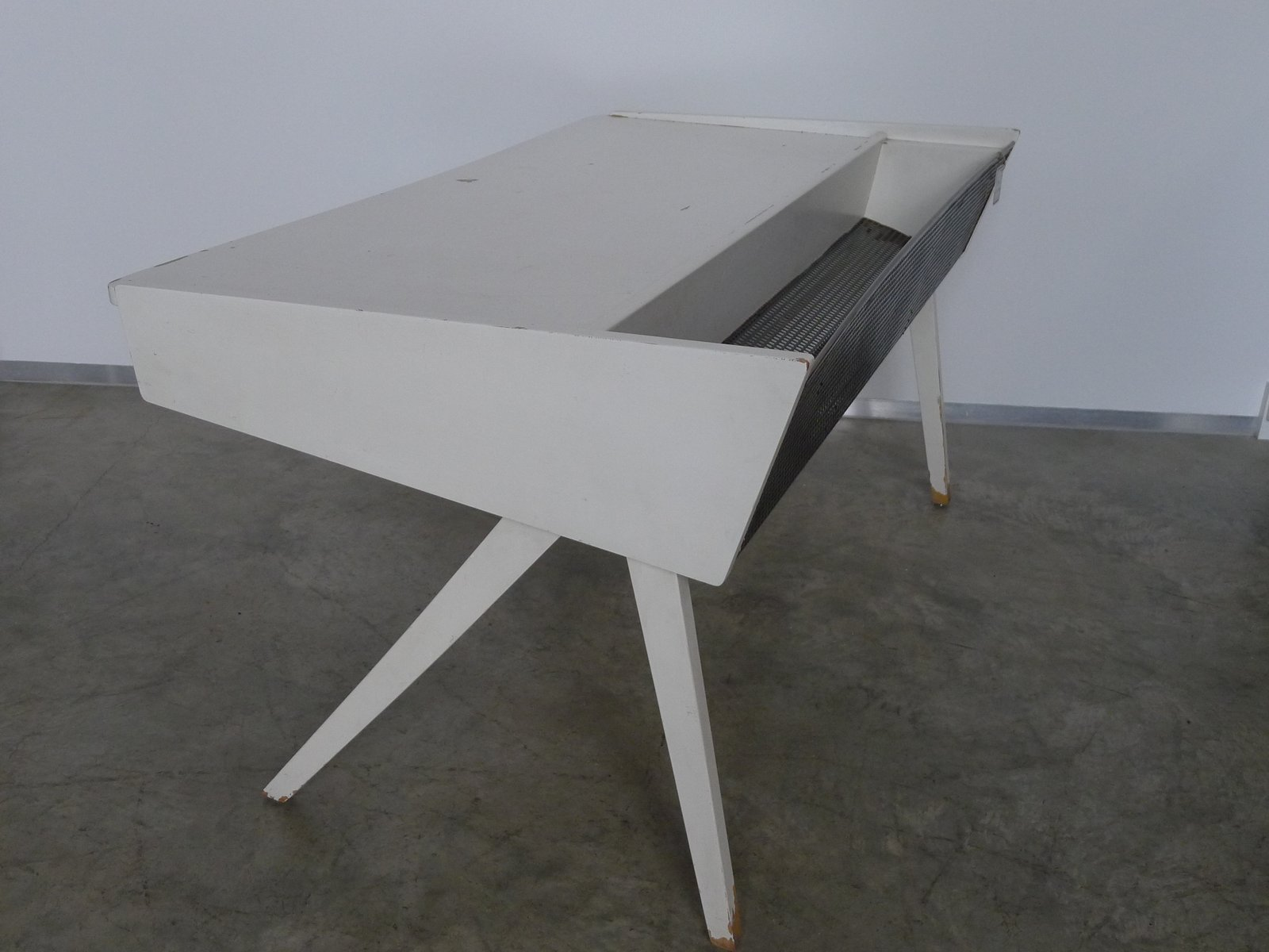 vintage schreibtisch in wei 1950er bei pamono kaufen. Black Bedroom Furniture Sets. Home Design Ideas