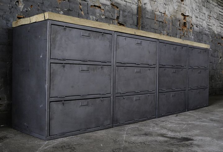 vintage industrieschrank bei pamono kaufen. Black Bedroom Furniture Sets. Home Design Ideas