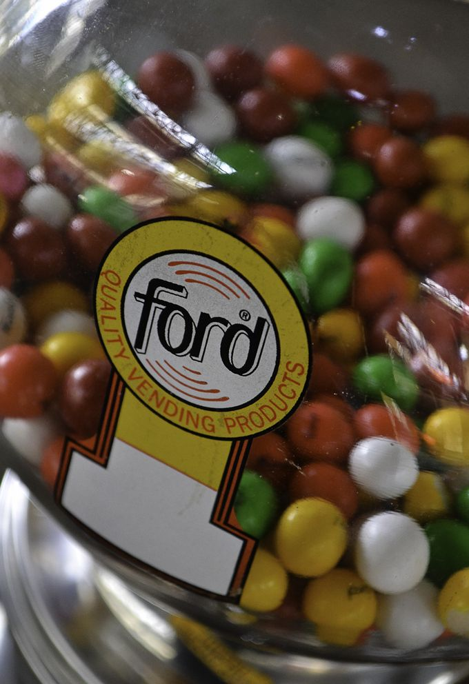 ford gumball machine parts