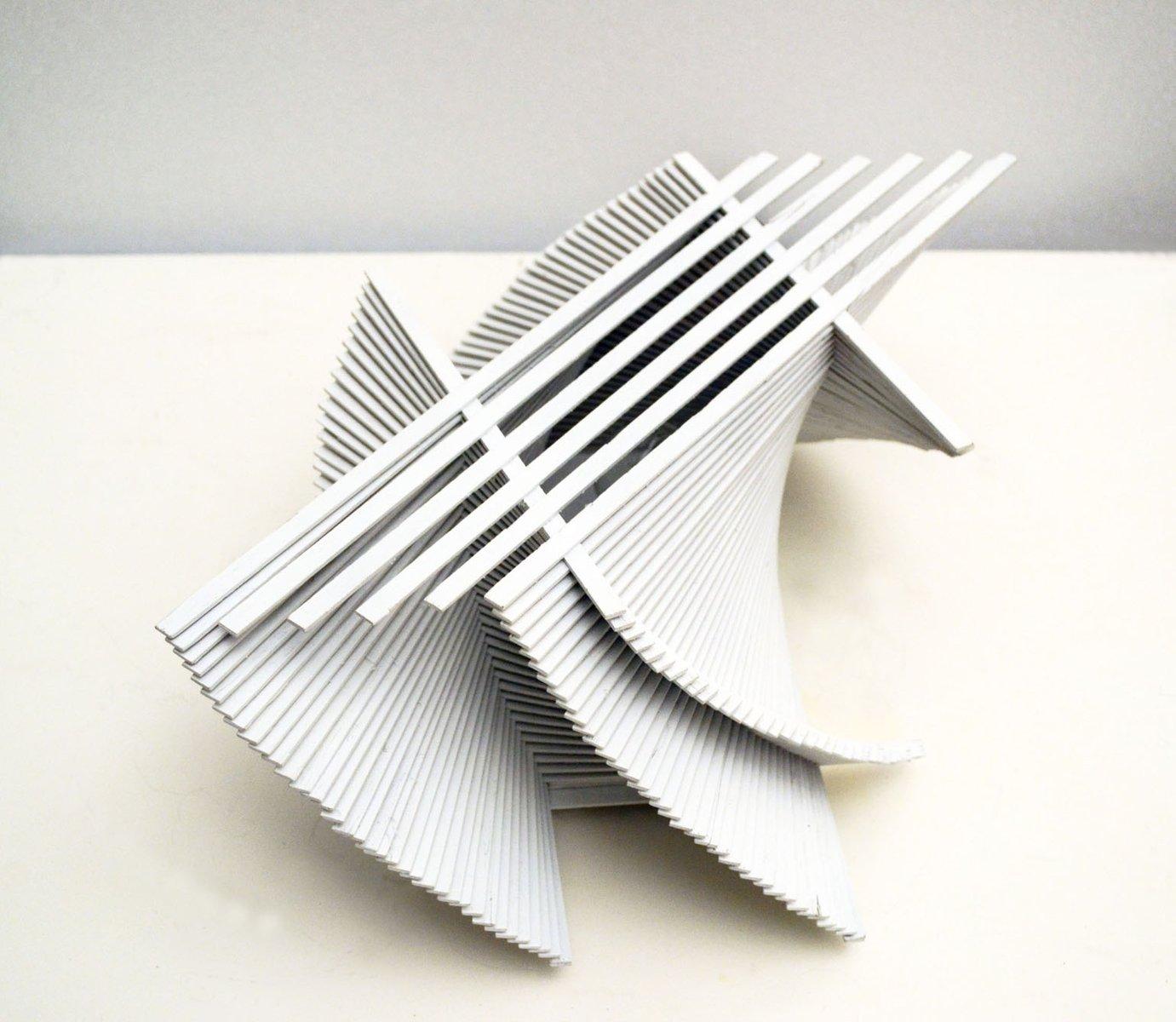 skulpturale prototyp tischlampe aus bemaltem holz 1970er. Black Bedroom Furniture Sets. Home Design Ideas
