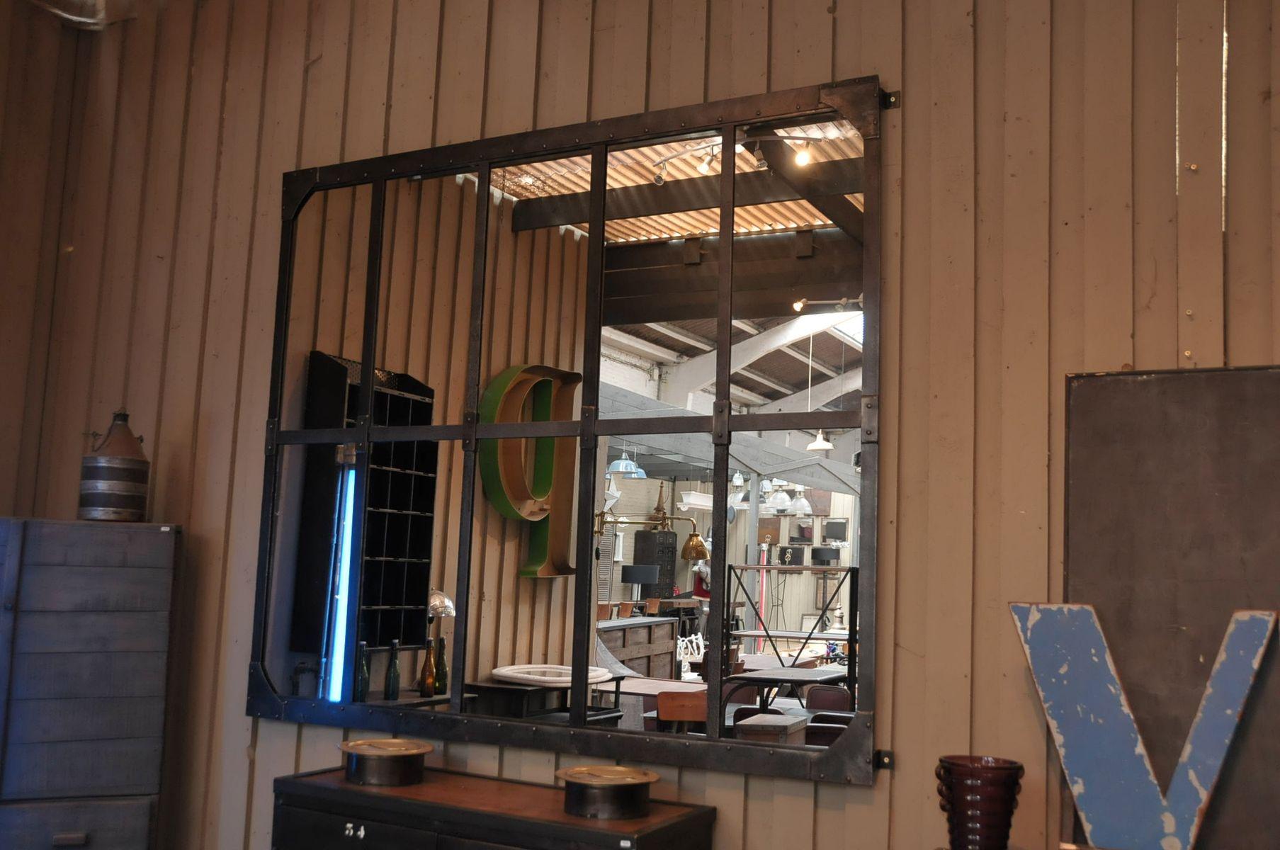 Wandspiegel aus einem alten fabrikfenster bei pamono kaufen for Wandspiegel design