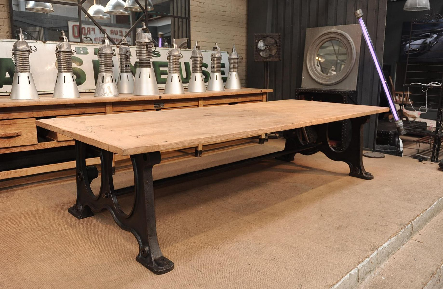 Oak top industrial dining table 1900 for sale at pamono for Grande table industrielle