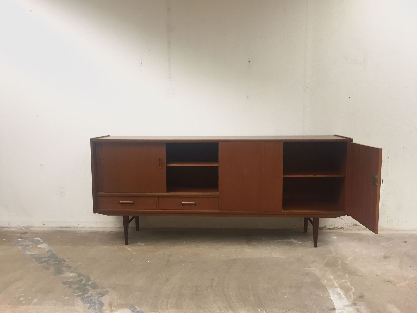 skandinavisches vintage sideboard aus teak 1960er bei. Black Bedroom Furniture Sets. Home Design Ideas