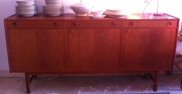 gro es schwedisches sideboard 1960er bei pamono kaufen. Black Bedroom Furniture Sets. Home Design Ideas