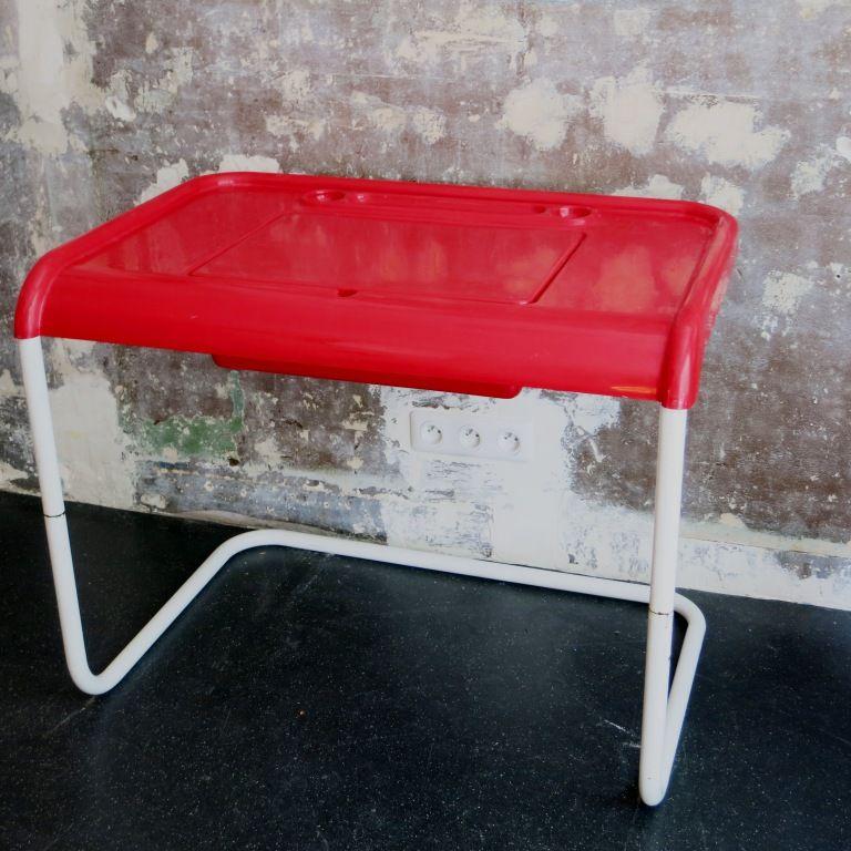 roter schreibtisch aus kunststoff 1970er bei pamono kaufen. Black Bedroom Furniture Sets. Home Design Ideas