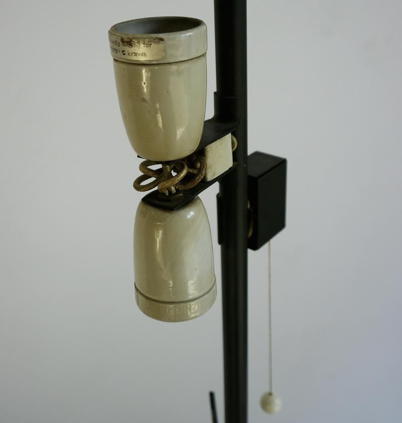 aj royal stehlampe von arne jacobsen f r louis poulsen bei pamono kaufen. Black Bedroom Furniture Sets. Home Design Ideas