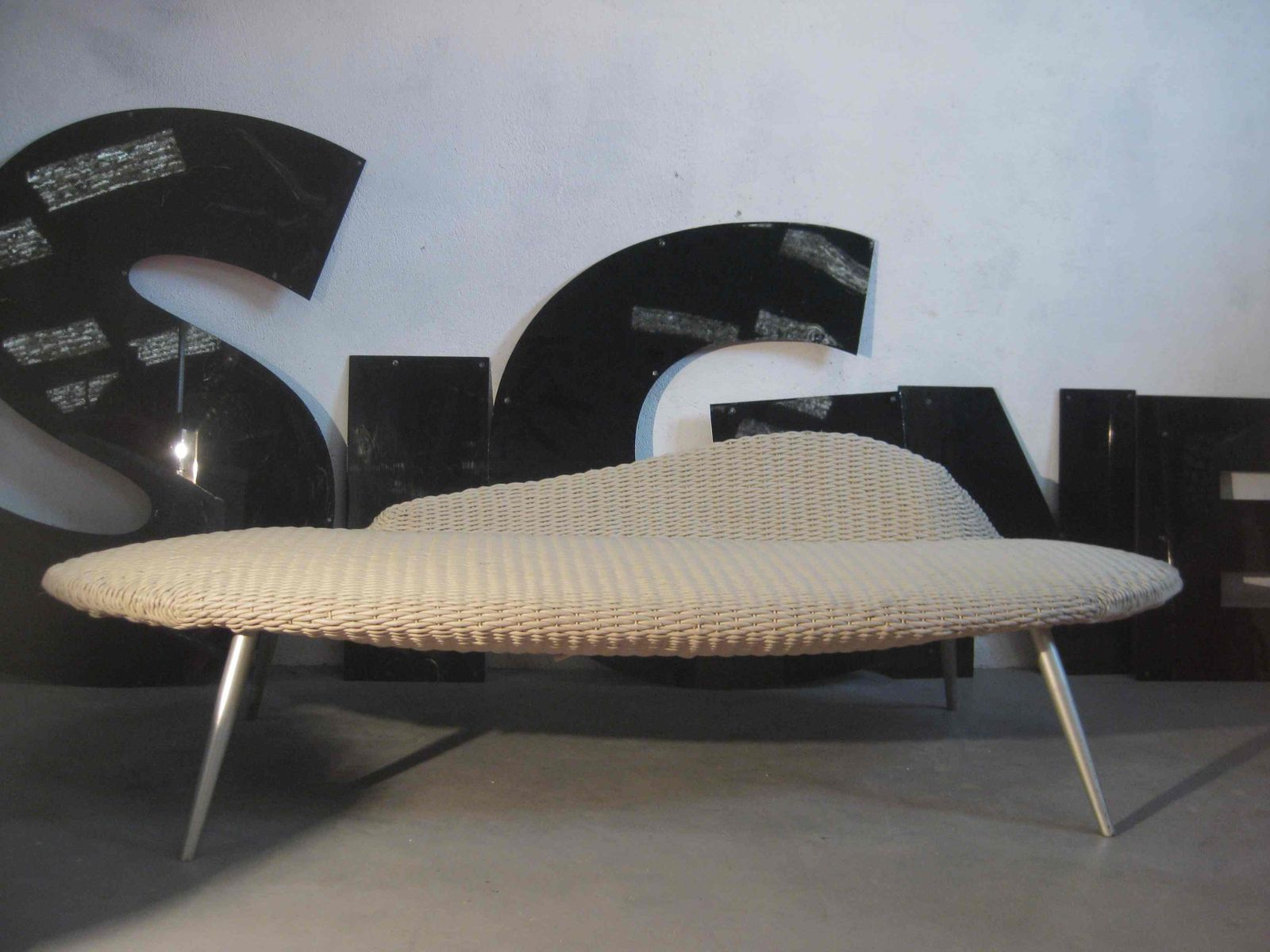 Braided leather chaise longue 1980s for sale at pamono for Chaise longue sale