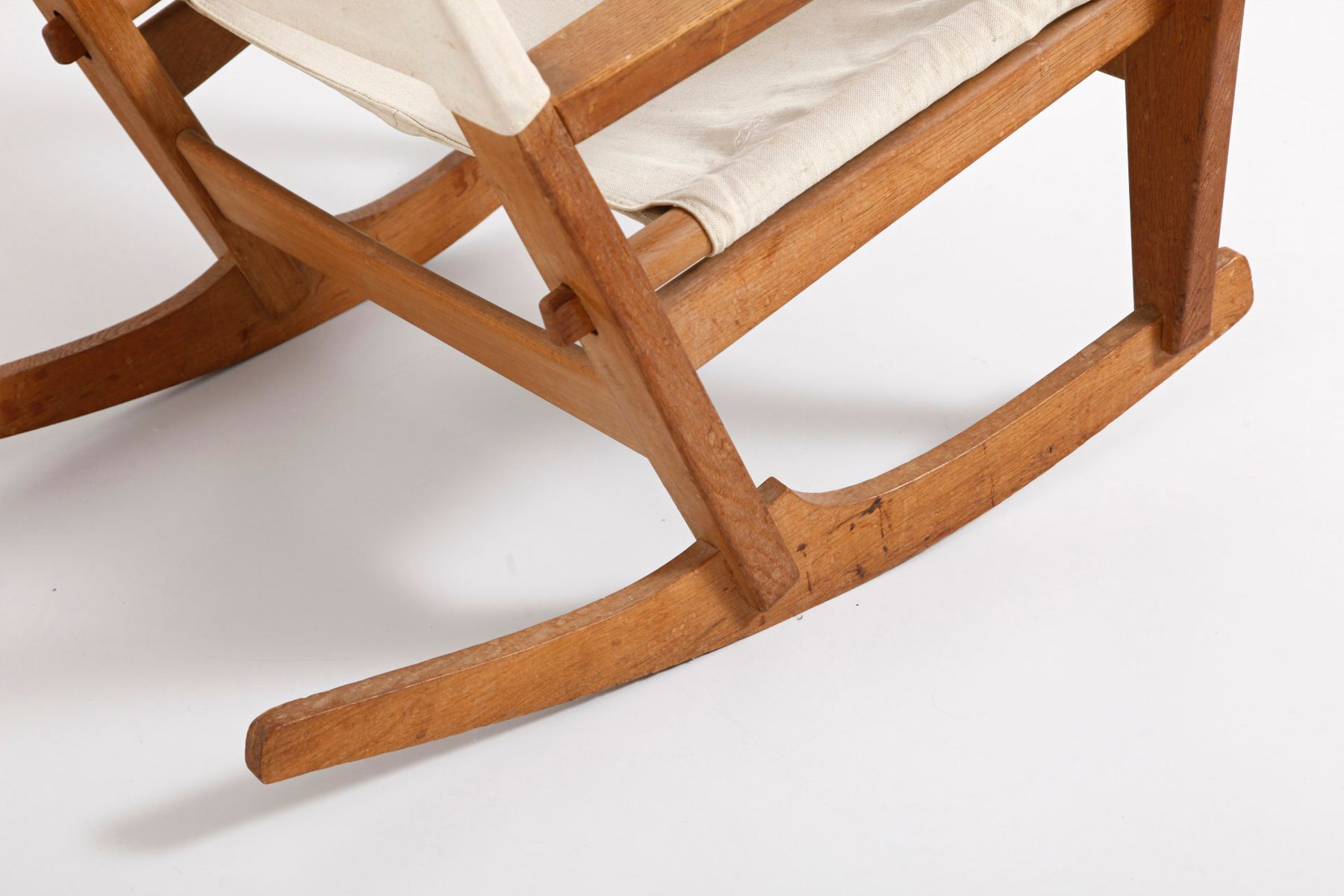 Keyhold GE673 Rocking Chair By Hans J. Wegner For Getama For Sale At . Full resolution‎  portraiture, nominally Width 1800 Height 1200 pixels, portraiture with #4D2A14.