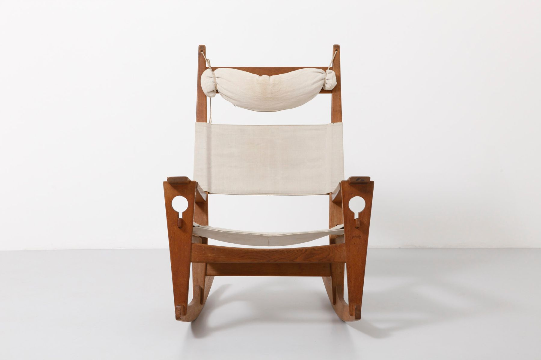 Keyhold GE673 Rocking Chair By Hans J. Wegner For Getama For Sale At . Full resolution‎  portraiture, nominally Width 1800 Height 1200 pixels, portraiture with #482B17.