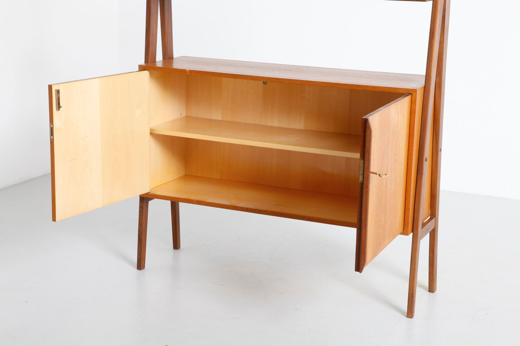 mid century free standing teak shelf from wk m bel for sale at pamono. Black Bedroom Furniture Sets. Home Design Ideas