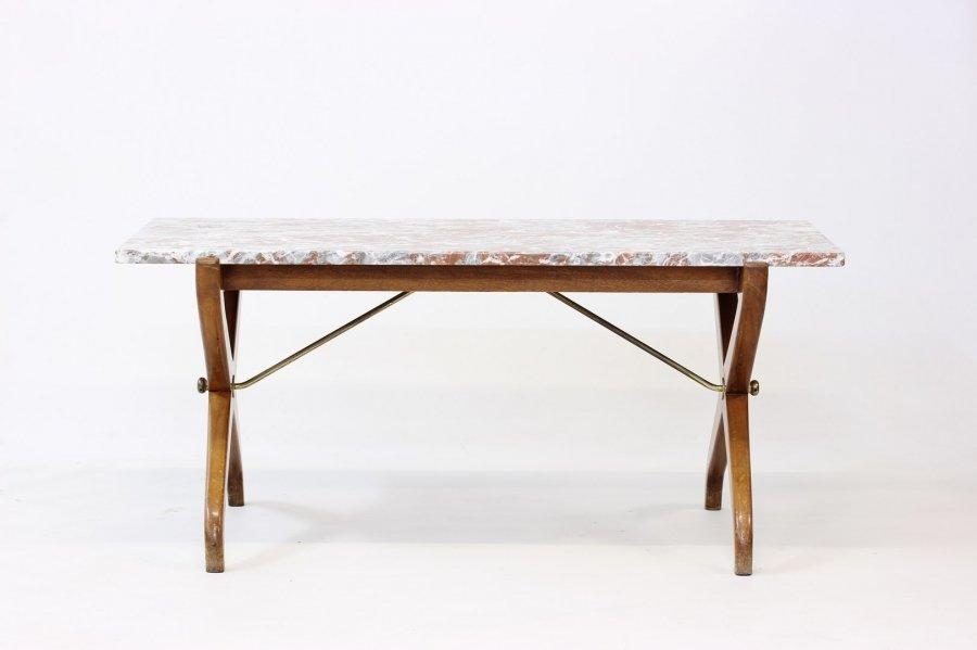 Tisch mit tischplatte aus marmor von david ros n f r for Tisch aus marmor