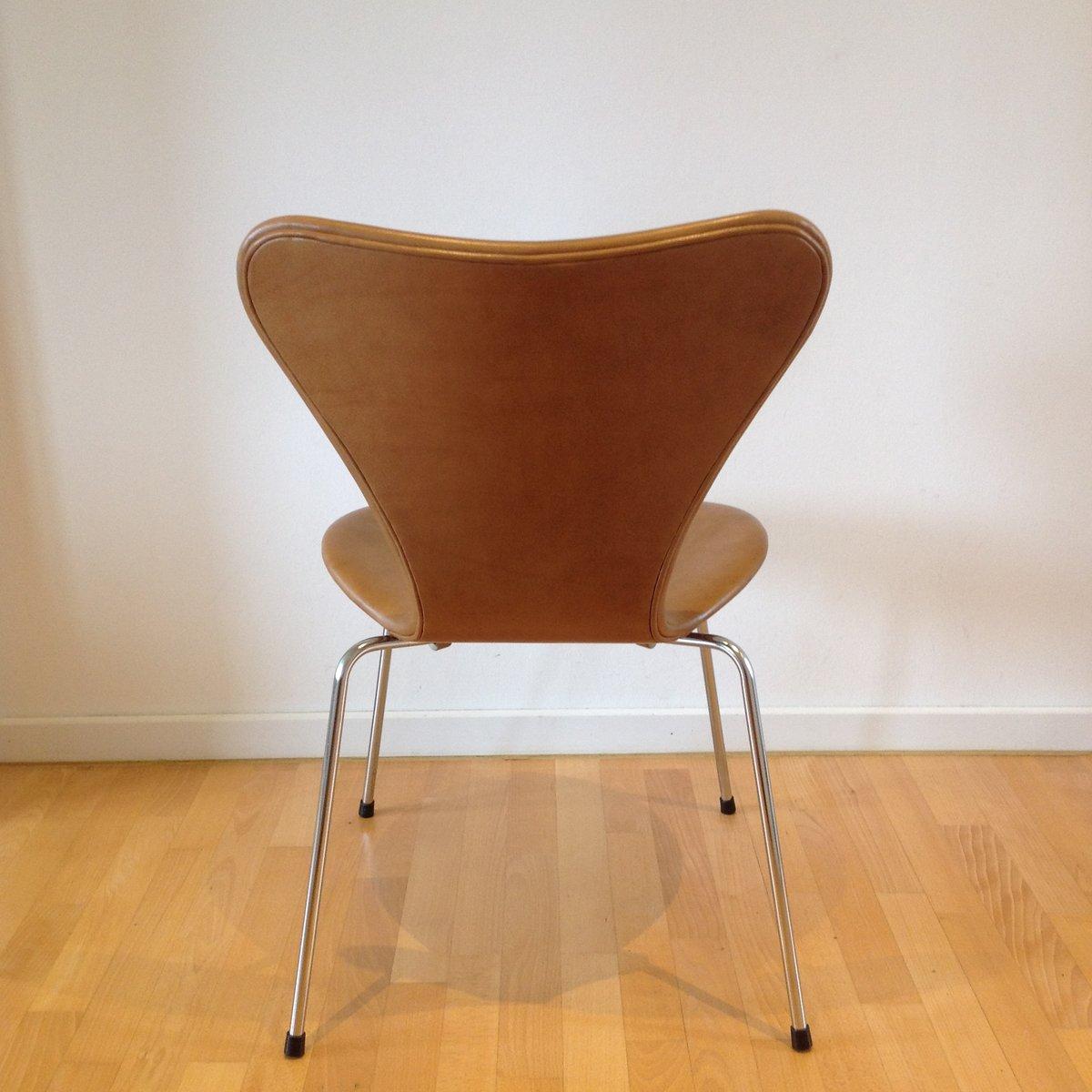 Chaise de salon syveren 3107 elegance wax brune par arne for Chaise pour salon