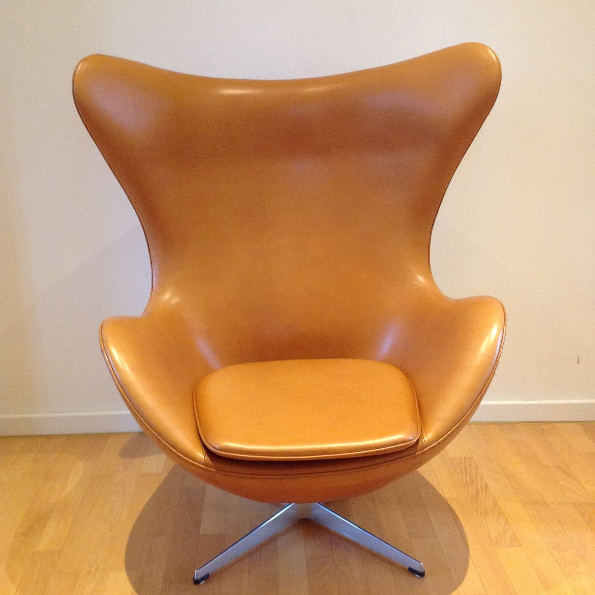3316 the egg lounge chair by arne jacobsen for fritz for Sessel jacobsen