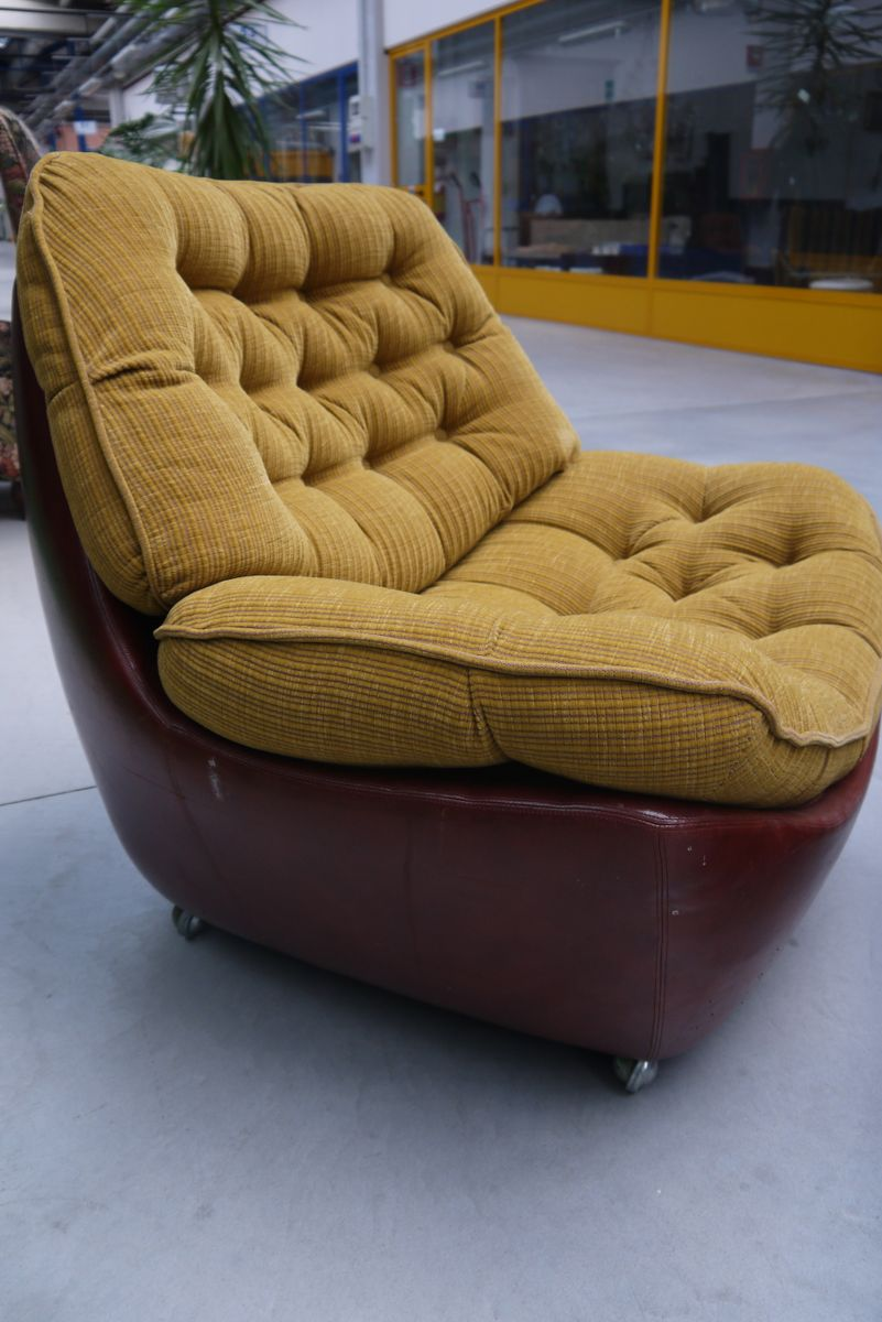 italian leather club chair with pouf 1970s for sale at pamono. Black Bedroom Furniture Sets. Home Design Ideas