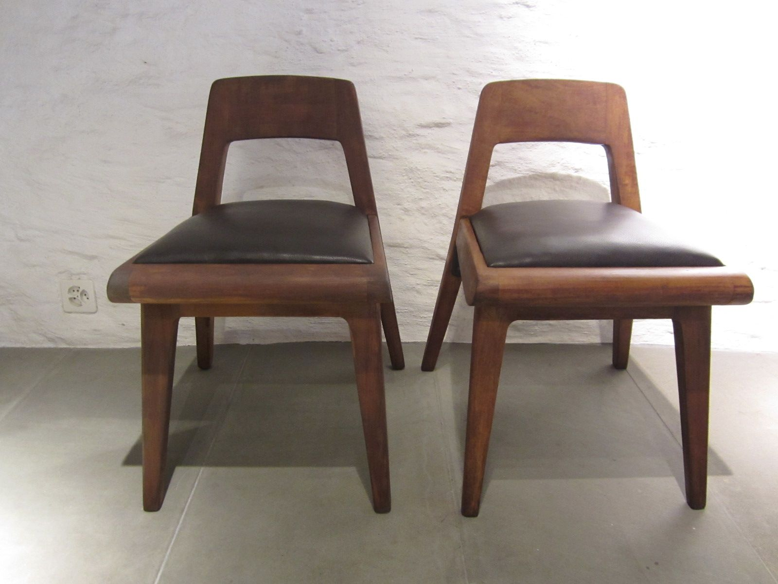 Superb img of Vintage Wooden Chairs Set of 4 for sale at Pamono with #8C5F3F color and 1600x1200 pixels