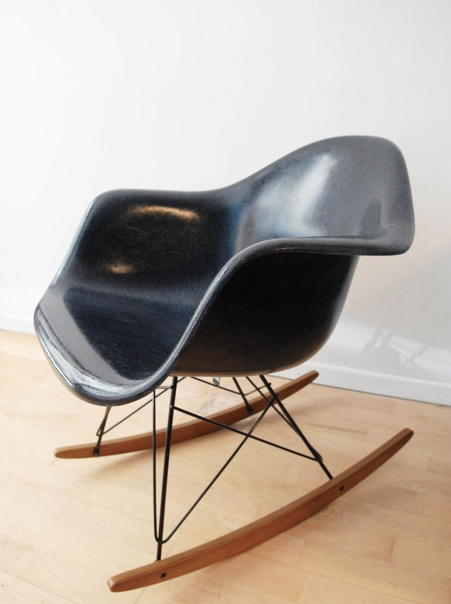 vintage rocking chair by eames for herman miller vitra for sale at pamono. Black Bedroom Furniture Sets. Home Design Ideas