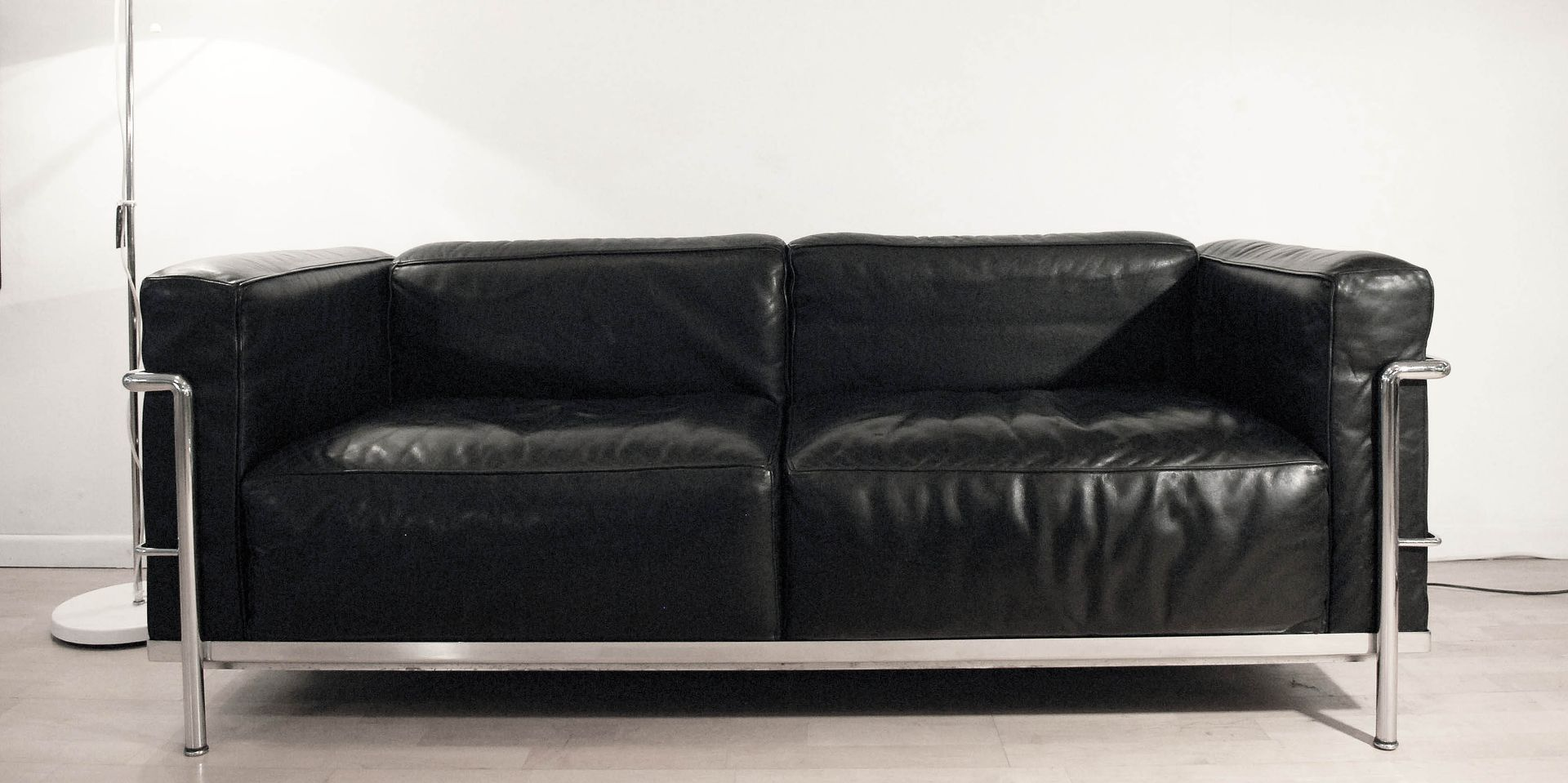 lc3 grand confort sofa von le corbusier f r cassina bei pamono kaufen. Black Bedroom Furniture Sets. Home Design Ideas