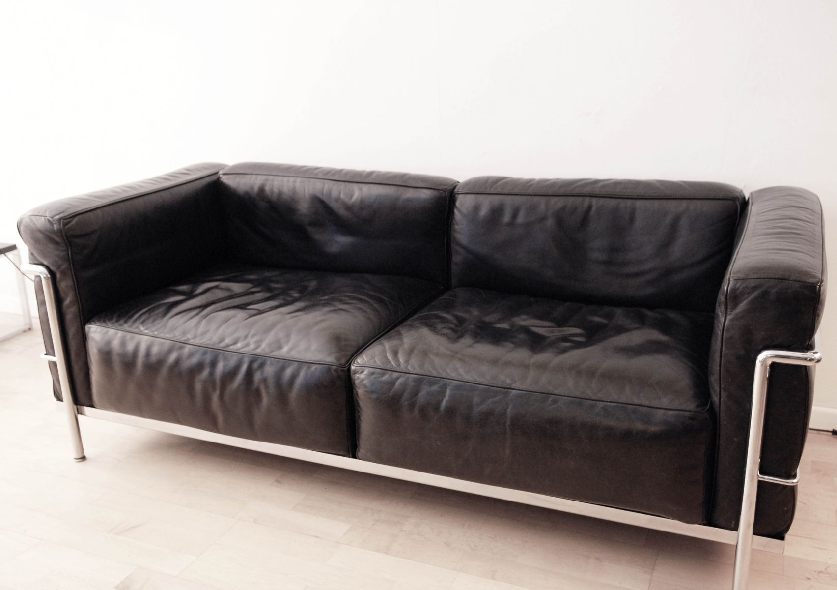 Lc3 grand confort sofa by le corbusier for cassina for for Sofas gran confort