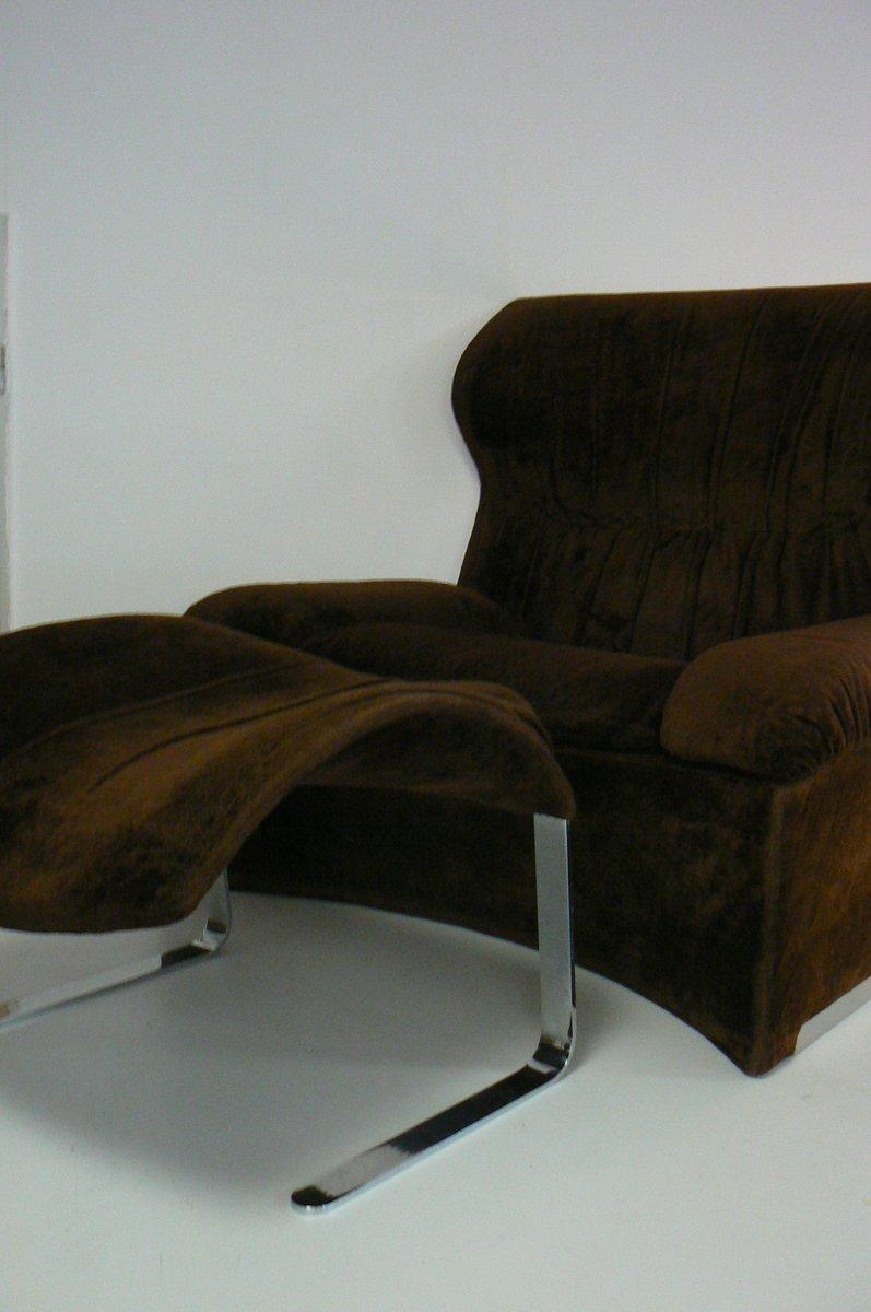 vela alta lounge mit geschwungener r ckenlehne und. Black Bedroom Furniture Sets. Home Design Ideas
