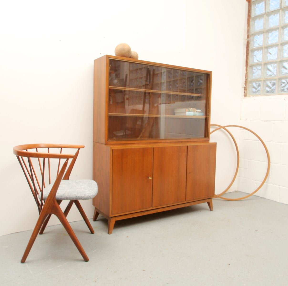 mid century nussbaum sideboard von erwin behr wendlingen 1950er pamono. Black Bedroom Furniture Sets. Home Design Ideas