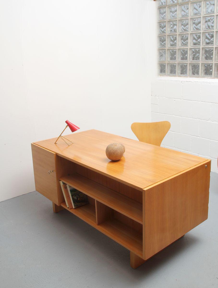 direktions schreibtisch im bauhaus stil 1960er bei pamono kaufen. Black Bedroom Furniture Sets. Home Design Ideas