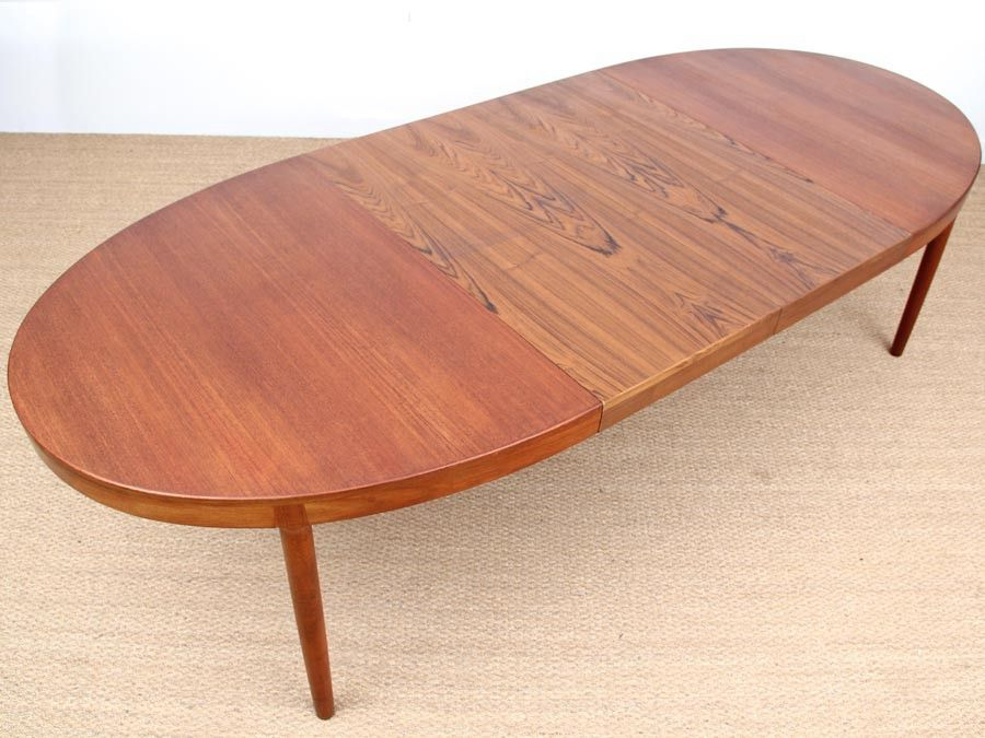 Scandinavian teak oval table by harry stergaard for sale for Table scandinave 6 personnes