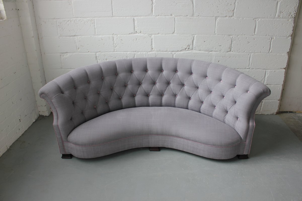 3h65e9 furthermore Moebel furthermore Rundes Vintage Sofa England 1920er together with Outdoor Furniture besides Knoll Florence Knoll Sofa. on modern couch design