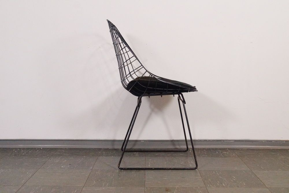 Eames wire chair cushion - Model 240 Wire Chair By Harry Bertoia For Knoll 1960s For Sale At