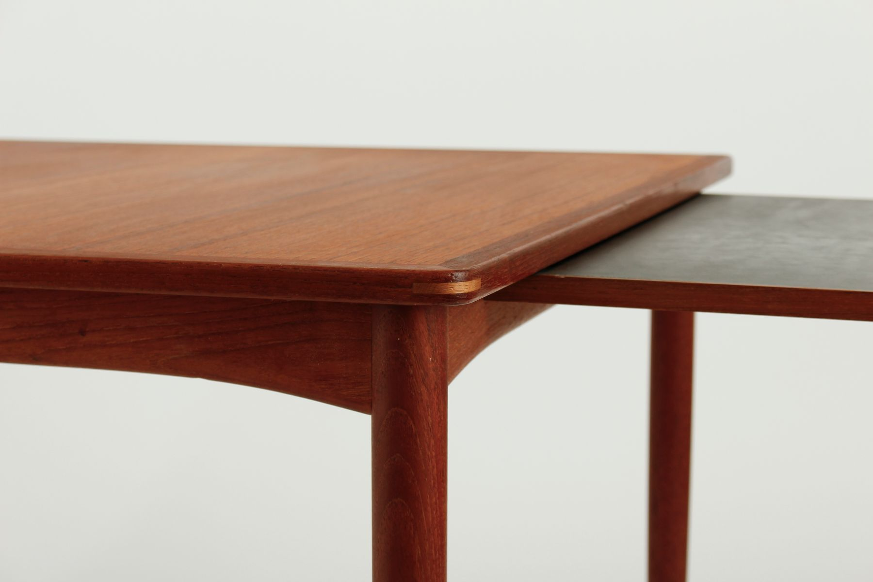 schwedischer couchtisch mit ausziehbarer platte 1950er bei pamono kaufen. Black Bedroom Furniture Sets. Home Design Ideas