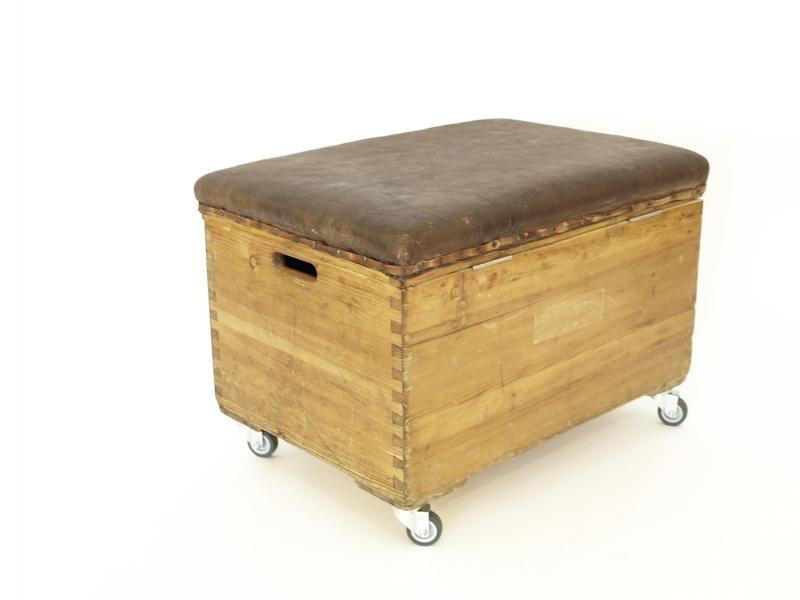 vintage turnkasten truhe bei pamono kaufen. Black Bedroom Furniture Sets. Home Design Ideas