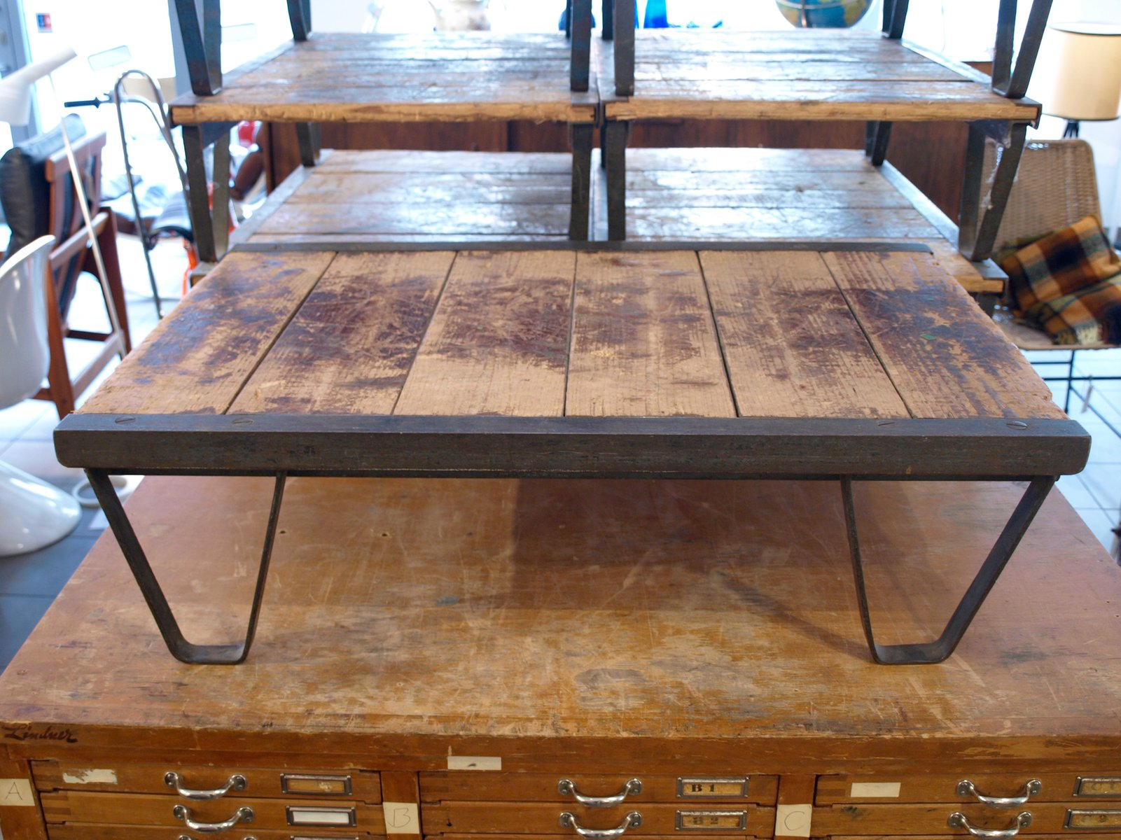 industrial wood and metal coffee table for sale at pamono. Black Bedroom Furniture Sets. Home Design Ideas